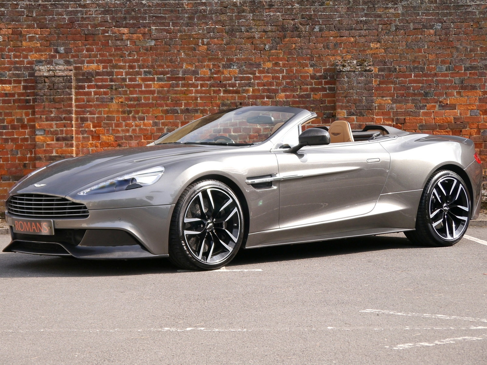 Aston Martin Vanquish Volante V12 Touchtronic Iii Great Colour Combination Big Specification Am Fsh For Sale